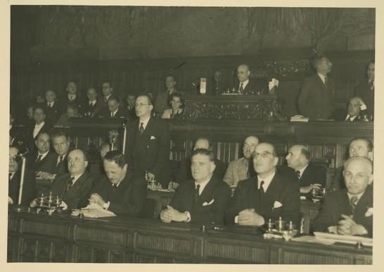 Discussione, votazione e approvazione della Costituzione