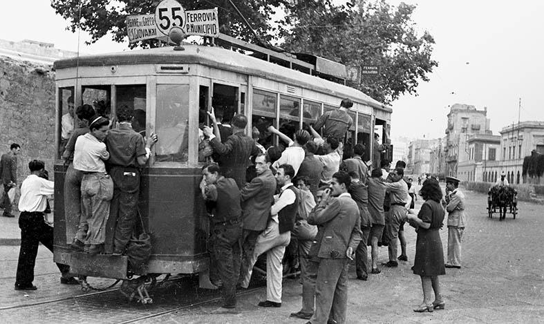1946, assalto al tram