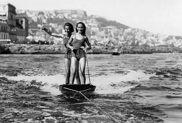 Anni Trenta Sci d'acqua alla napoletana
