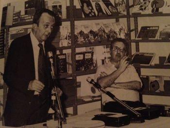 """Milano, Libreria dei Ragazzi, 1980: presentazione dei neonati \""""Libri di base\"""": tdm e Roberto Denti"""
