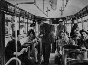 Archivio fotografico ATM, Primi anni '40: controllo biglietti sulla vettura tranviaria 5048
