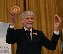 La fisica spiegata con un panino, un bagel e un pretzel