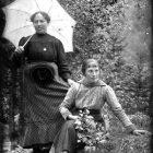Ritratto di due ragazze in Val Bremana